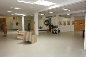 Artpark contemporary art moebel leitner 300x199 DIY Home Accessories Brighten Your Kitchen